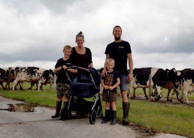 Willemijn, Niek, Teun, Jelle en baby Luuk Den Boer | De Twee Hoeven